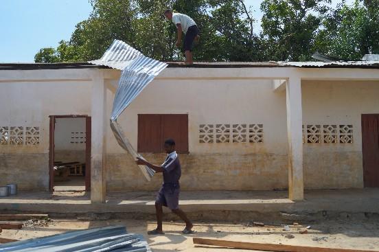 Odbudowa szkoły dla 550 uczniów w Andilambe