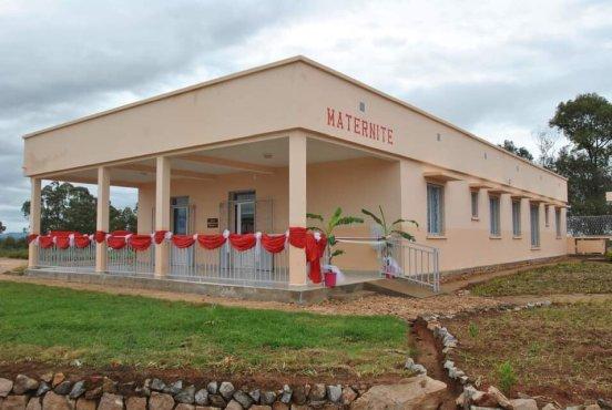 Budowa porodówki w Mandiavato (Madagaskar)