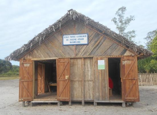 Agregat prądotwórczy dla szkoły podstawowej w Masomeloka (Madagaskar)