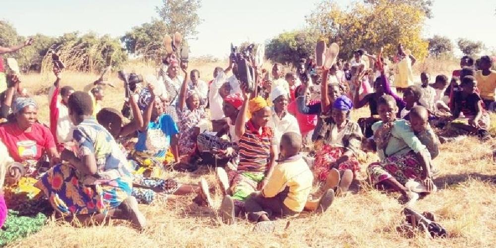 Wysyłka butów do Zambii