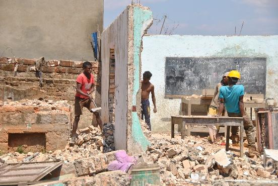 Ciężarówka dla Centrum Dzieci Ulicy w Antananarivo (Madagaskar)