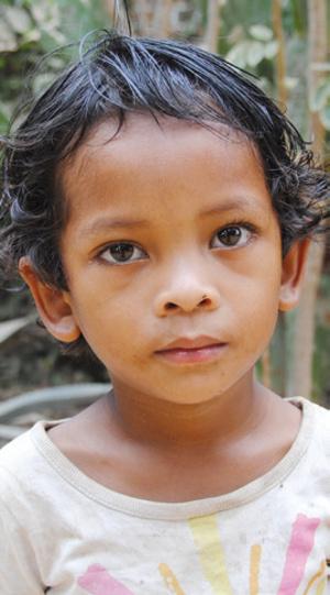 Dożywianie zagłodzonych w Mampikony (Madagaskar)