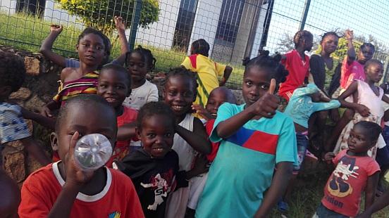 Budowa kuchni z zapleczem, kuchni polowej, boiska i ogrodzenia Centrum Matki i Dziecka w Bouar (Republika Środkowoafrykańska)