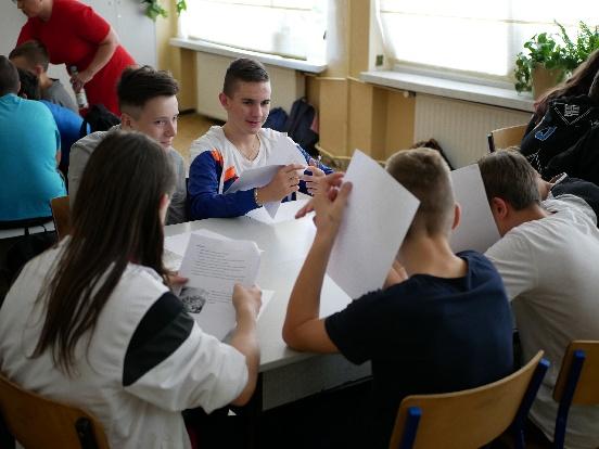 Projekt edukacyjny oraz zachęcający do dobroczynności i wolontariatu (Polska)