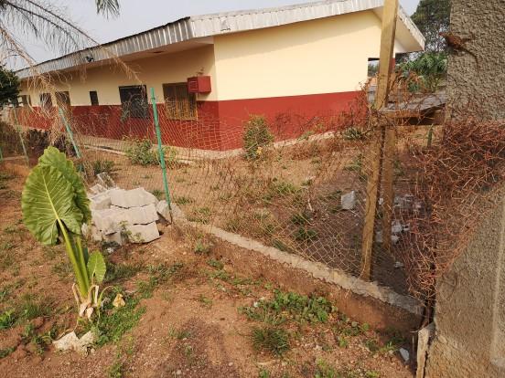 Remont ogrodzenia i budowa hangaru dla przedszkola w Bertoua-Mokolo (Kamerun)