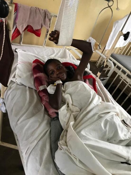 Remont w szpitalu w Katondwe (Zambia)