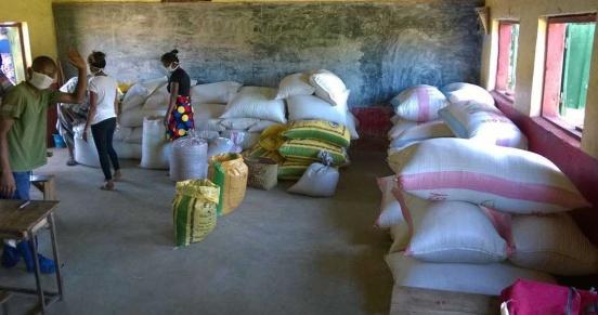 Ryż i fasola na zasiew dla powodzian (Madagaskar)