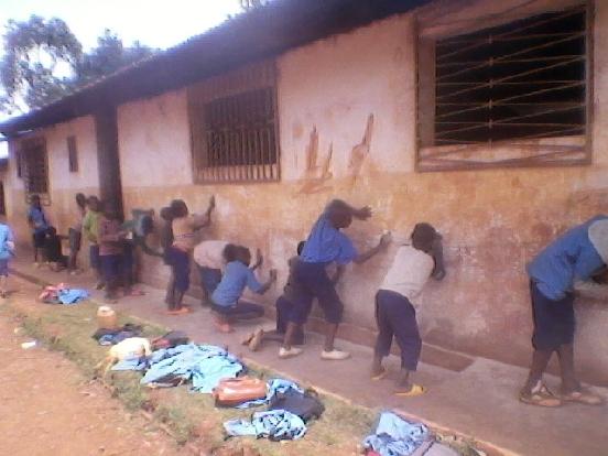 Sala komputerowa dla uczniów w Ndiembou (Kamerun)