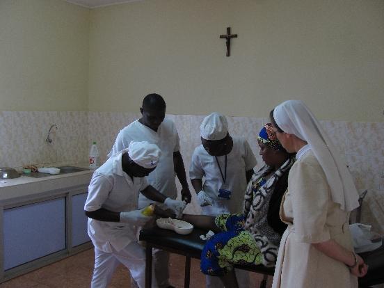 Solary dla przychodni zdrowia w Ayos (Kamerun)