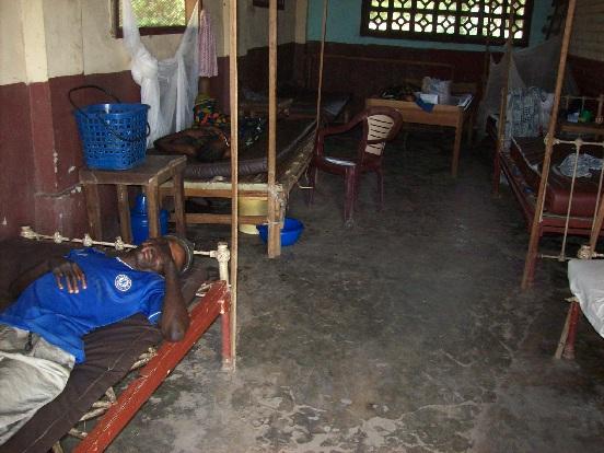 Studnia dla szkoły i szpitala w Yumbii (Kongo)