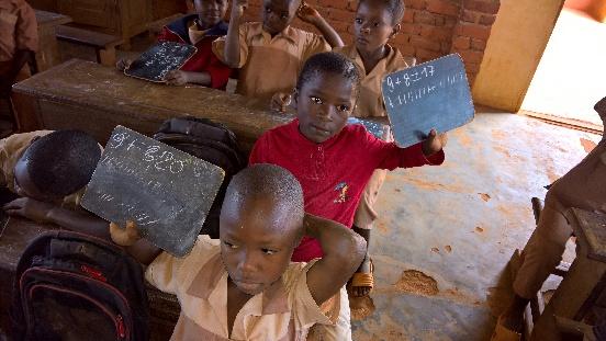 Pomoc szkole w Essiengbot (Kamerun)