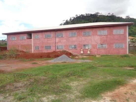 Wyposażenie szkoły podstawowej w Jaunde (Kamerun)