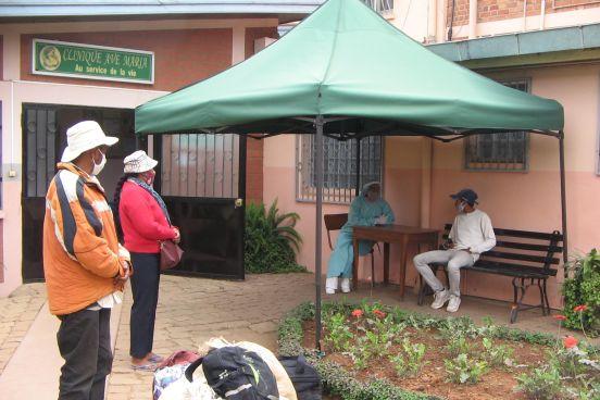 Pomoc szpitalowi w Antsirabe w epidemii (Madagskar)