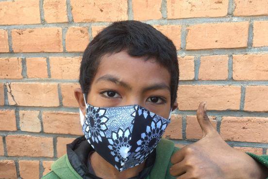Zakup masek ochronnych dla dzieci w Mampikony (Madagaskar)
