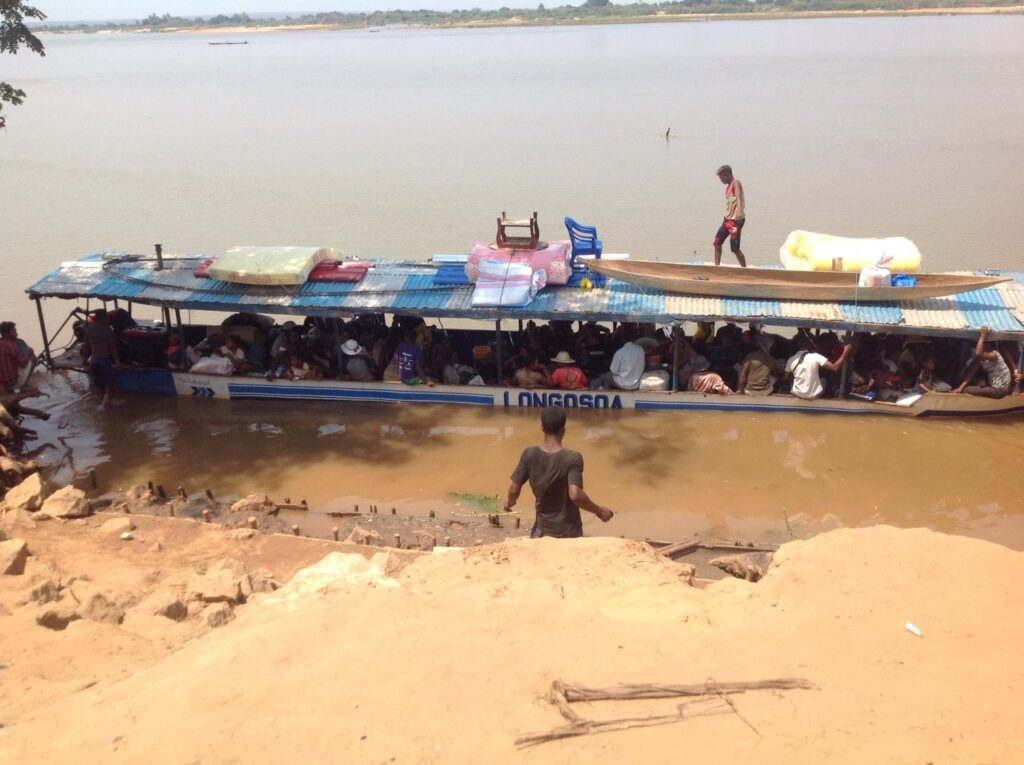 Barka do przewozu chorych Berevo (Madagaskar)