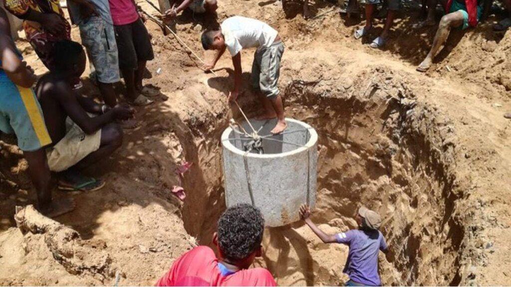 Budowa studni w Antsohikiely i Croisement Malakialina (Madagaskar)