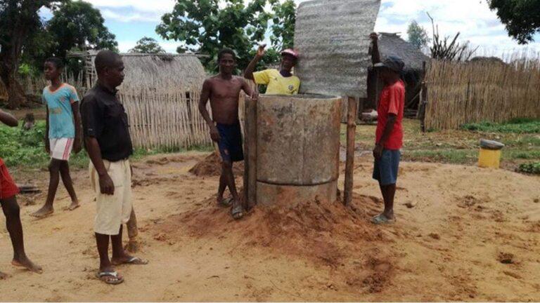 Studnia w Tsangambato (Madagaskar)