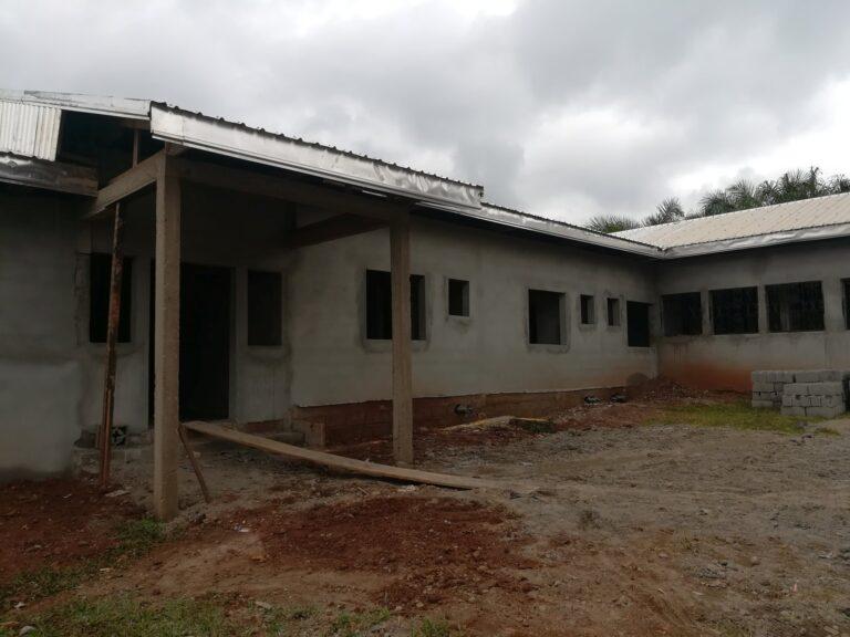Wykończenie domu dziecka w Ayos (Kamerun)