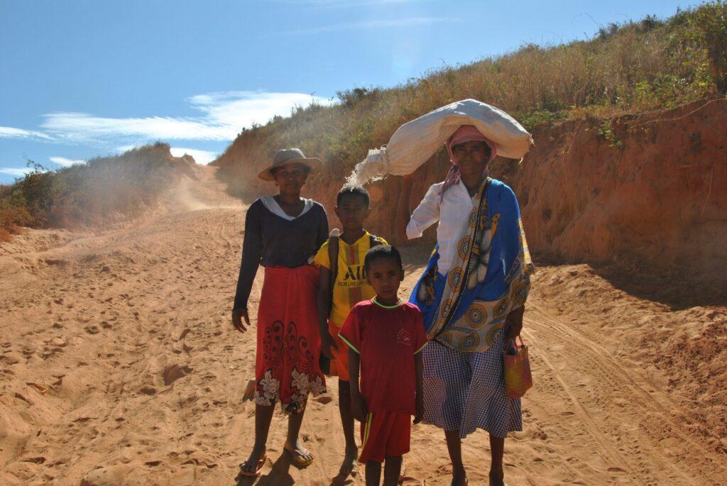 Budowa oddziału dziecięcego szpitala w Mampikony (Madagaskar)